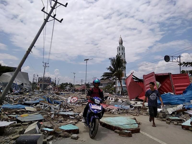 Indonesia tan hoang sau thảm họa động đất, sóng thần - ảnh 3