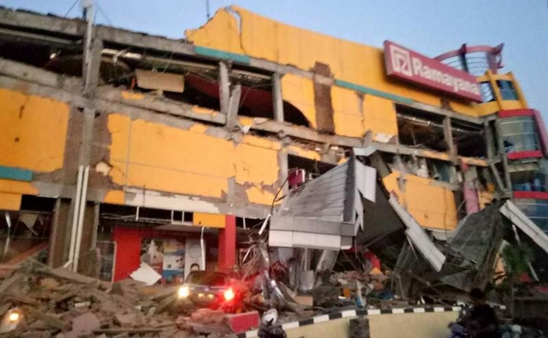 Indonesia tan hoang sau thảm họa động đất, sóng thần - ảnh 1