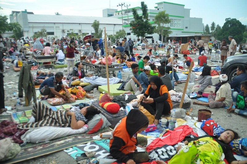 Quốc tế chung tay hỗ trợ nạn nhân thảm họa sóng thần - ảnh 1