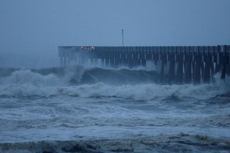 Mỹ: Bang Florida tan hoang sau siêu bão Michael lịch sử - ảnh 2