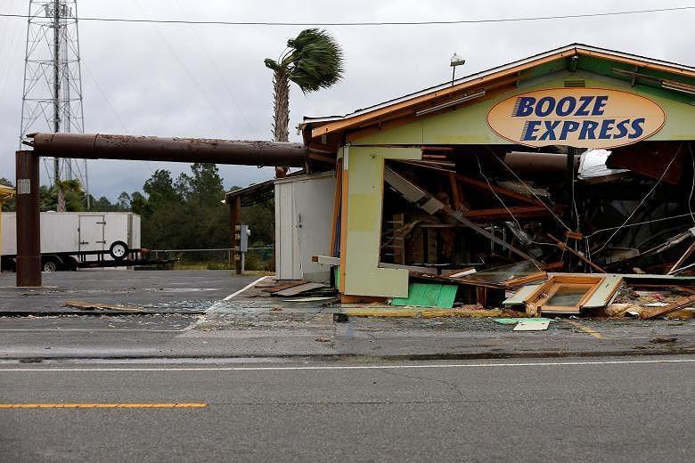 Mỹ: Bang Florida tan hoang sau siêu bão Michael lịch sử - ảnh 7