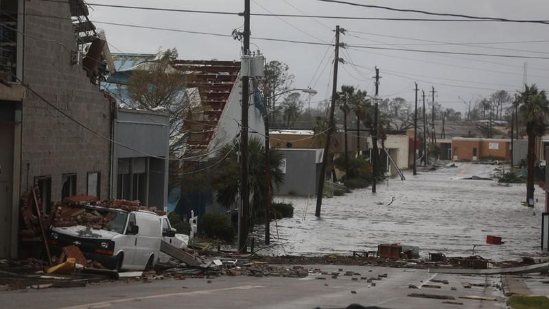 Mỹ: Bang Florida tan hoang sau siêu bão Michael lịch sử - ảnh 5