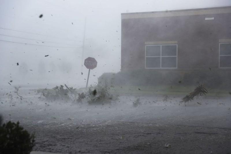 Mỹ: Bang Florida tan hoang sau siêu bão Michael lịch sử - ảnh 3
