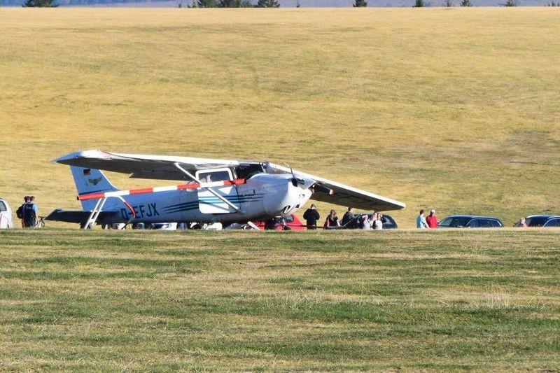 Máy bay rơi và lao vào đám đông ở Đức, 3 người thiệt mạng - ảnh 1