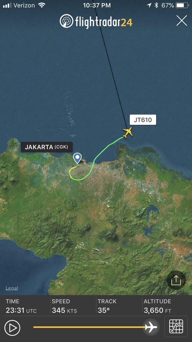 Máy bay Indonesia chở 188 người rơi xuống biển - ảnh 2