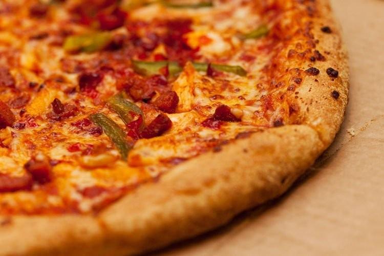 Người đàn ông ăn pizza mỗi ngày trong 37 năm - ảnh 1