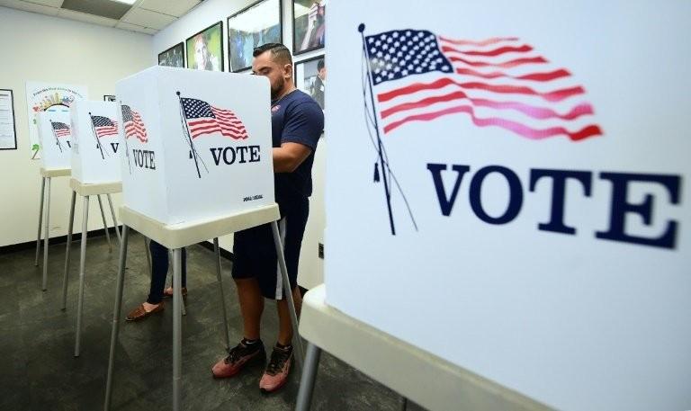 Những hình ảnh đầu tiên về bầu cử giữa nhiệm kỳ ở Mỹ - ảnh 5