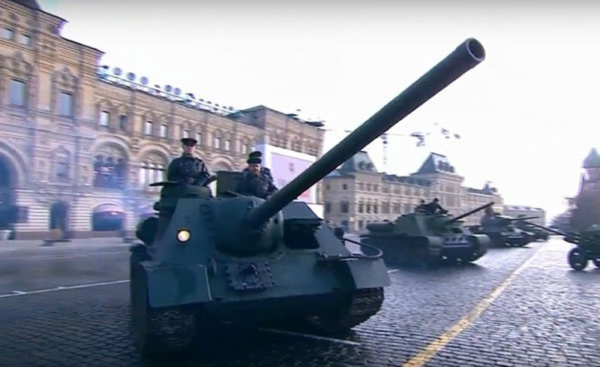 Nga tái hiện cuộc duyệt binh lịch sử năm 1941  - ảnh 1