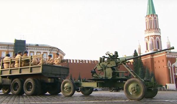 Nga tái hiện cuộc duyệt binh lịch sử năm 1941  - ảnh 9