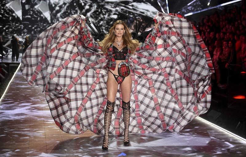 Những thiên thần nóng bỏng trong Victoria's Secret Show 2018 - ảnh 4