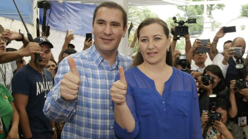 Mexico: Trực thăng rơi, vợ chồng thống đốc thiệt mạng  - ảnh 1