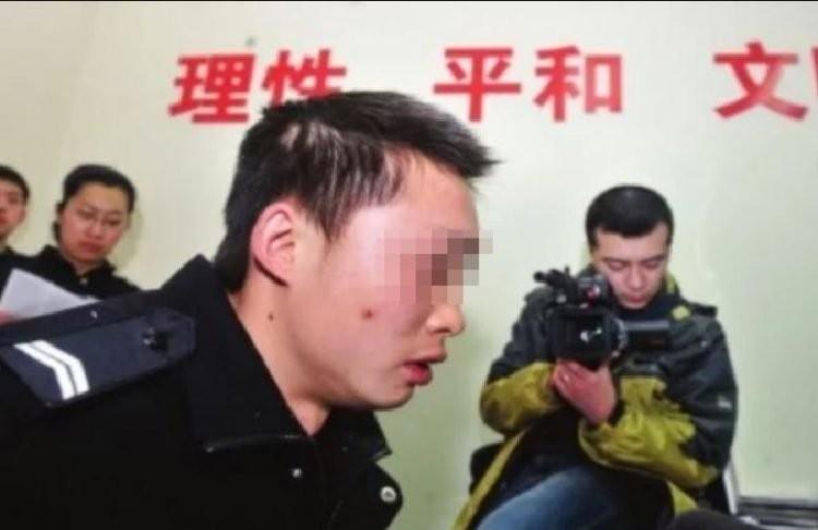 12 năm giả làm cảnh sát mà không bị tóm - ảnh 3