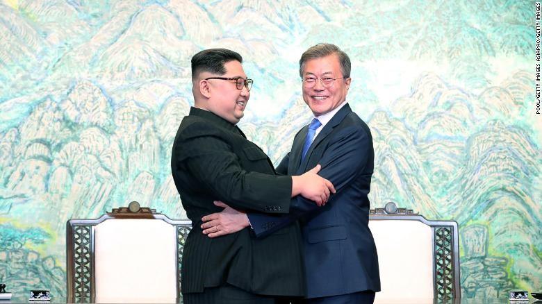 Ông Kim Jong-un viết gì cho ông Moon dịp cuối năm? - ảnh 1