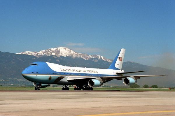 Tại sao Air Force One của Tổng thống Mỹ lại có màu xanh? - ảnh 1
