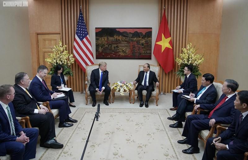 Thủ tướng Nguyễn Xuân Phúc đón Tổng thống Mỹ Donald Trump - ảnh 10