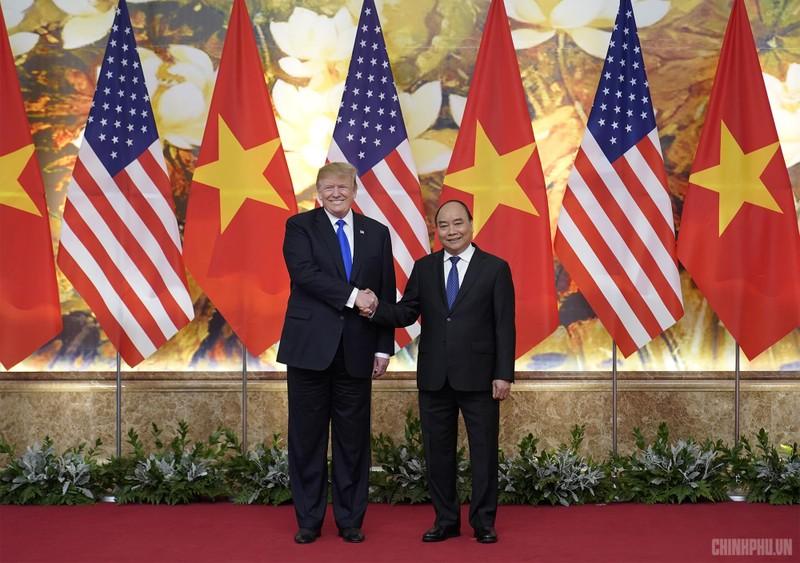 Thủ tướng Nguyễn Xuân Phúc đón Tổng thống Mỹ Donald Trump - ảnh 6