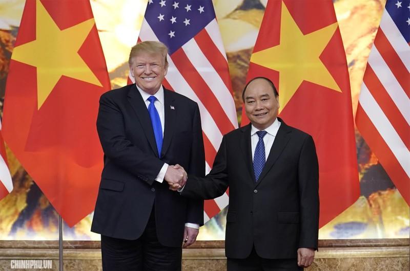 Thủ tướng Nguyễn Xuân Phúc đón Tổng thống Mỹ Donald Trump - ảnh 7