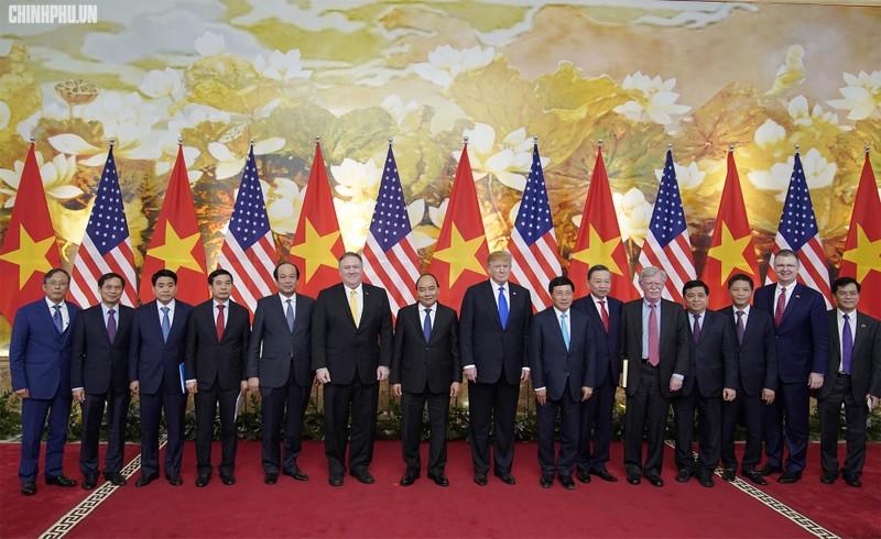 Thủ tướng Nguyễn Xuân Phúc đón Tổng thống Mỹ Donald Trump - ảnh 8