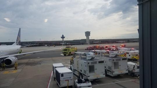 Máy bay Boeing 737-800 gặp sự cố phải quay đầu - ảnh 1