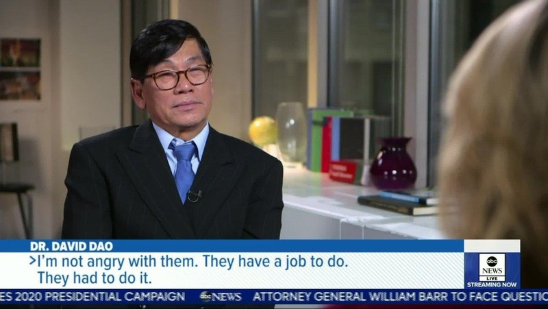 Bác sĩ David Dao lần đầu lên tiếng sau vụ bị lôi trên máy bay - ảnh 1