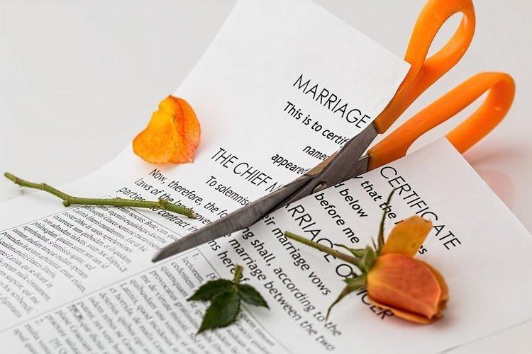 Ly hôn trong tuần trăng mật vì phát hiện chồng quá keo kiệt - ảnh 1