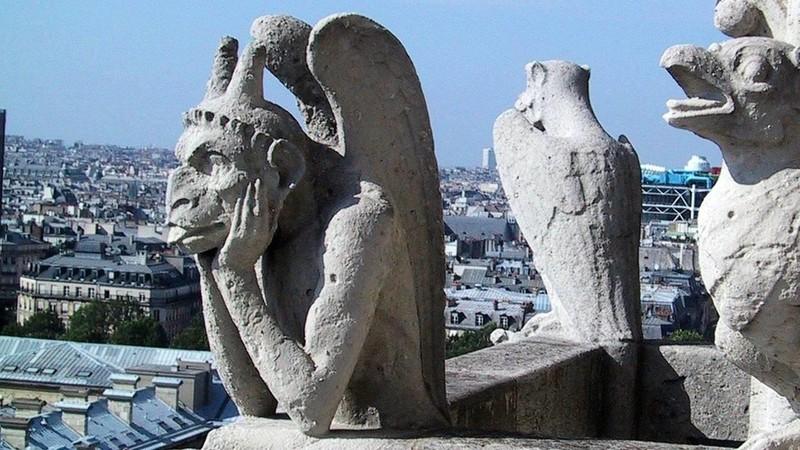 Quái thú Gargoyle vẫn nguyên vẹn sau vụ cháy Nhà thờ Đức Bà  - ảnh 2