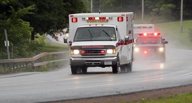 Kỳ lạ tim bệnh nhân đập trở lại sau khi xe cấp cứu gặp ổ gà - ảnh 1