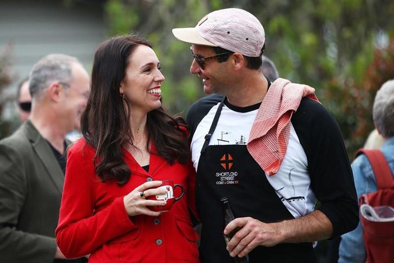 Thủ tướng New Zealand bất ngờ công bố tin đính hôn - ảnh 4