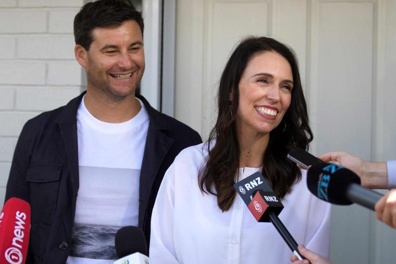 Thủ tướng New Zealand bất ngờ công bố tin đính hôn - ảnh 1
