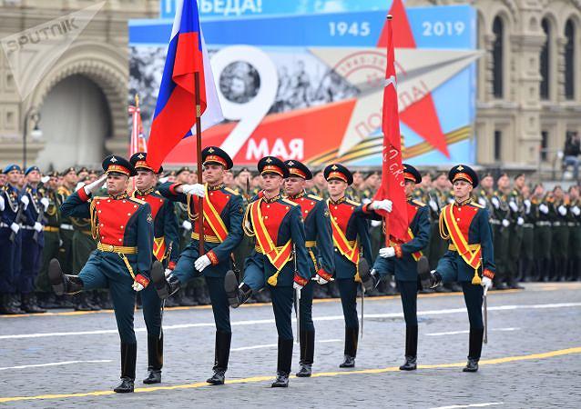 Nga phô diễn khí tài quân sự tại lễ duyệt binh ngày 9-5 - ảnh 4