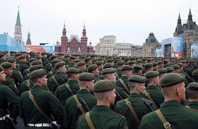 Nga phô diễn khí tài quân sự tại lễ duyệt binh ngày 9-5 - ảnh 5