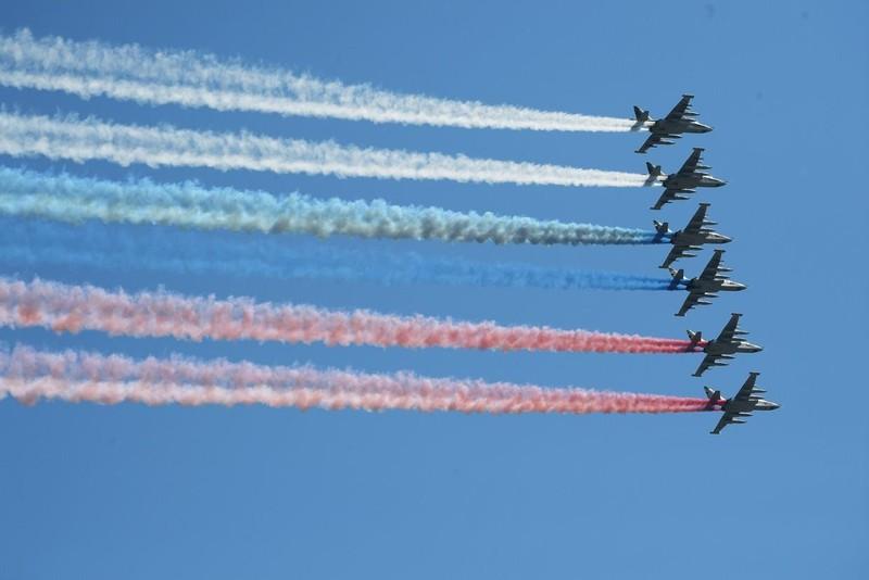 Nga phô diễn khí tài quân sự tại lễ duyệt binh ngày 9-5 - ảnh 11