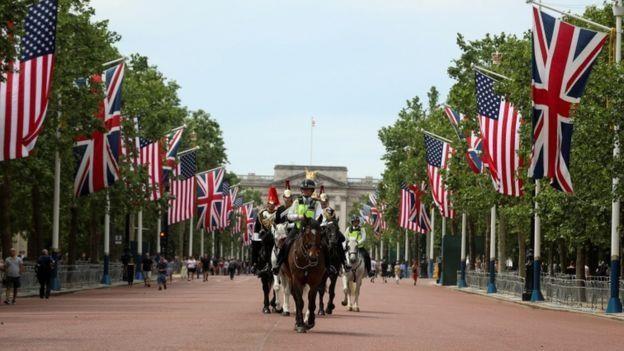 Tổng thống Trump đến Anh, bắt đầu lịch trình dày đặc 3 ngày  - ảnh 4