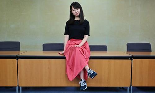 Bộ trưởng Nhật: Mang giày cao gót đi làm là cần thiết - ảnh 2