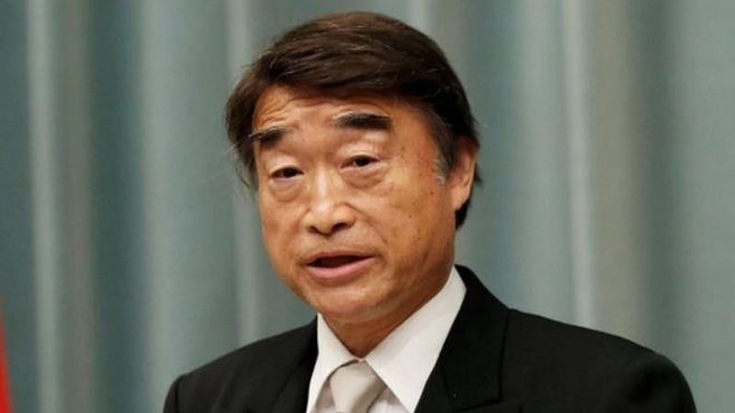 Bộ trưởng Nhật: Mang giày cao gót đi làm là cần thiết - ảnh 1