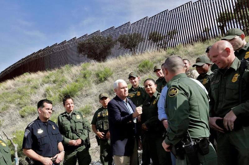 Người di cư từ Mexico tăng đột biến, lo ông Trump áp thuế - ảnh 1