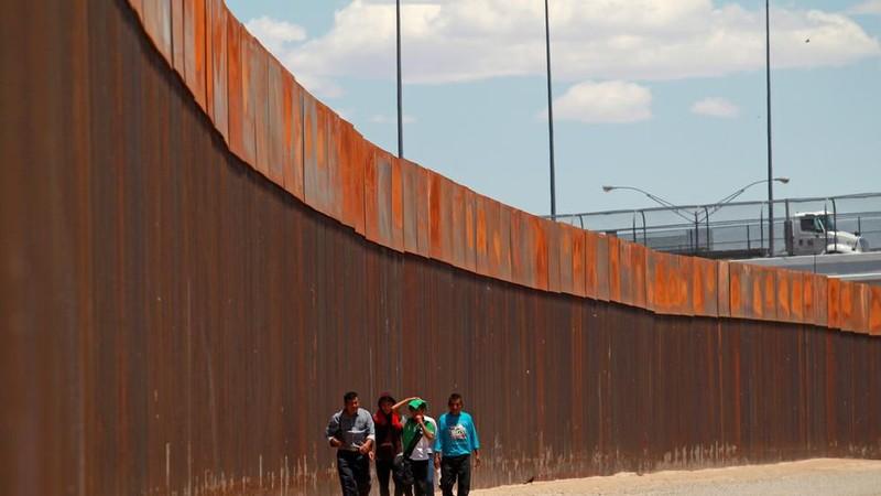 Ông Trump hoãn áp thuế vô thời hạn với Mexico - ảnh 3