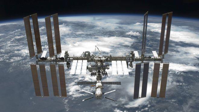 Khi nào NASA bán vé cho khách du lịch lên không gian?  - ảnh 1