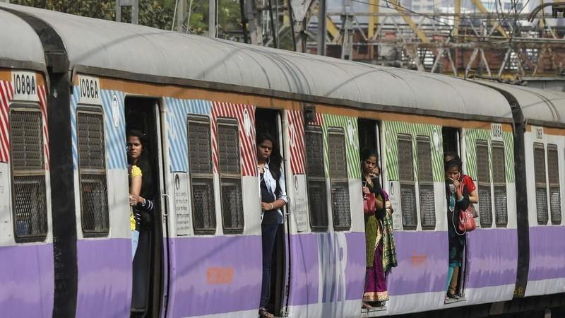 Đến Ấn Độ đi tàu hỏa được massage - ảnh 1