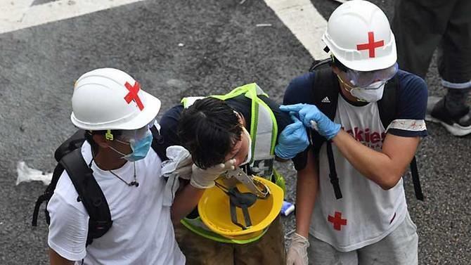Hong Kong chìm ngập trong hơi cay và bạo loạn - ảnh 5