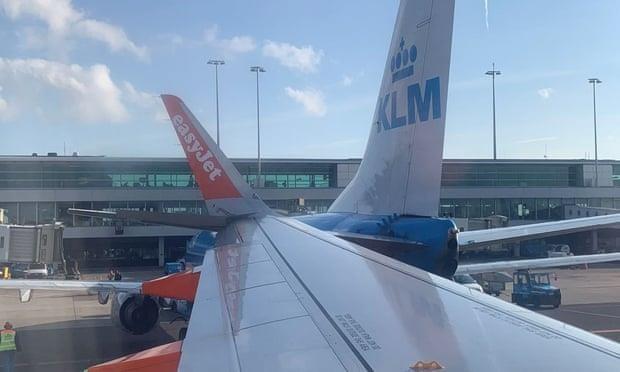 Hai máy bay chở khách đâm nhau tại Hà Lan - ảnh 1