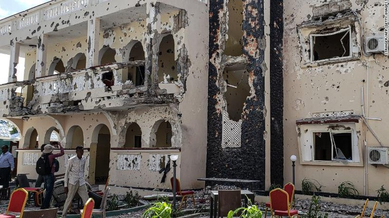 Tấn công khủng bố ở Somalia, 82 người thương vong - ảnh 1