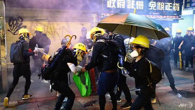 Biểu tình Hong Kong căng thẳng, kêu gọi đình công  - ảnh 3