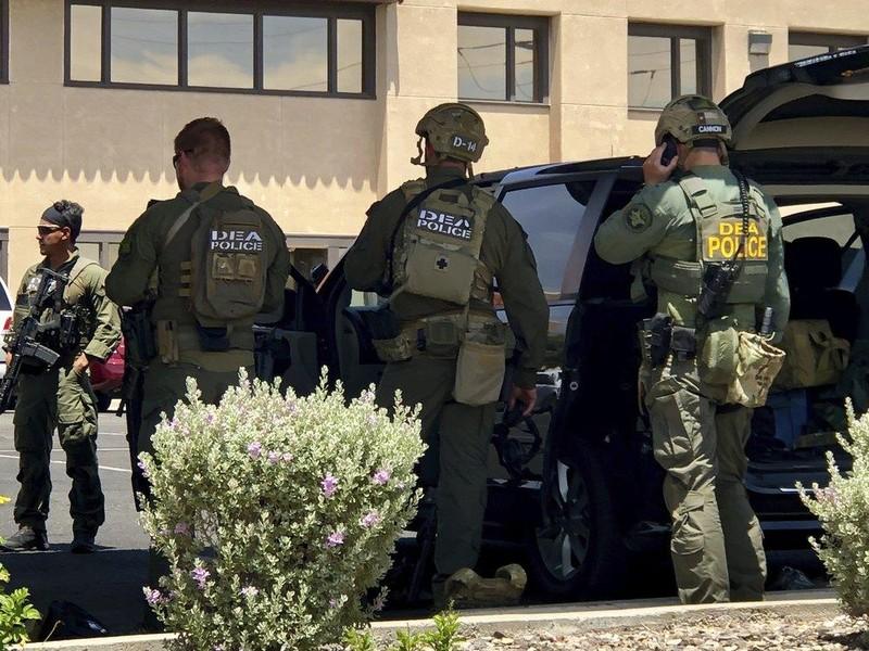 Xả súng kinh hoàng tại Siêu thị Walmart, 18 người chết - ảnh 3