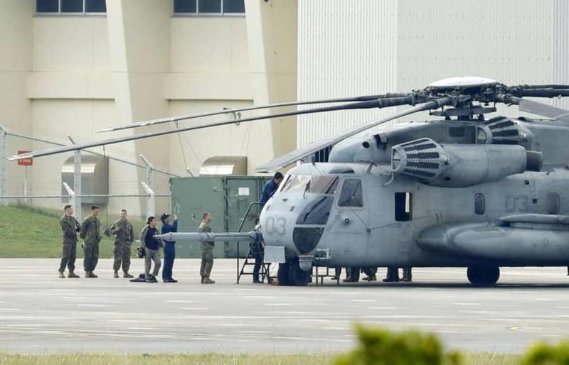 Trực thăng quân sự Mỹ tại Nhật lại bị rơi cửa sổ - ảnh 1