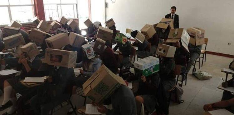 Giáo viên buộc học sinh đội thùng carton để ngăn quay cóp - ảnh 1