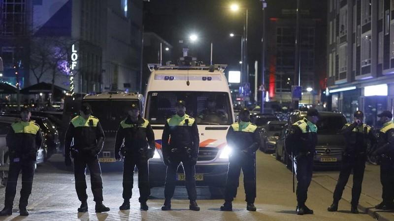 Nổ súng nghiêm trọng tại Hà Lan, 3 người bị bắn chết - ảnh 1