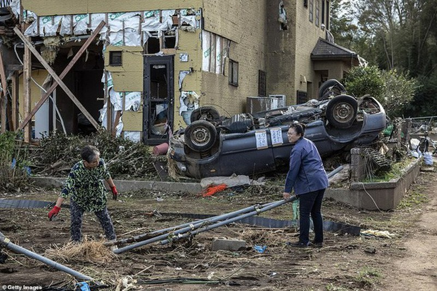 Người Nhật kiên cường khắc phục thảm họa siêu bão Hagibis - ảnh 12