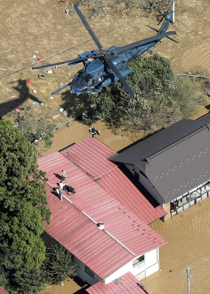 Người Nhật kiên cường khắc phục thảm họa siêu bão Hagibis - ảnh 10