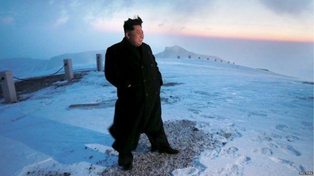 Ông Kim Jong-un cưỡi bạch mã trên núi tuyết tuyệt đẹp - ảnh 4